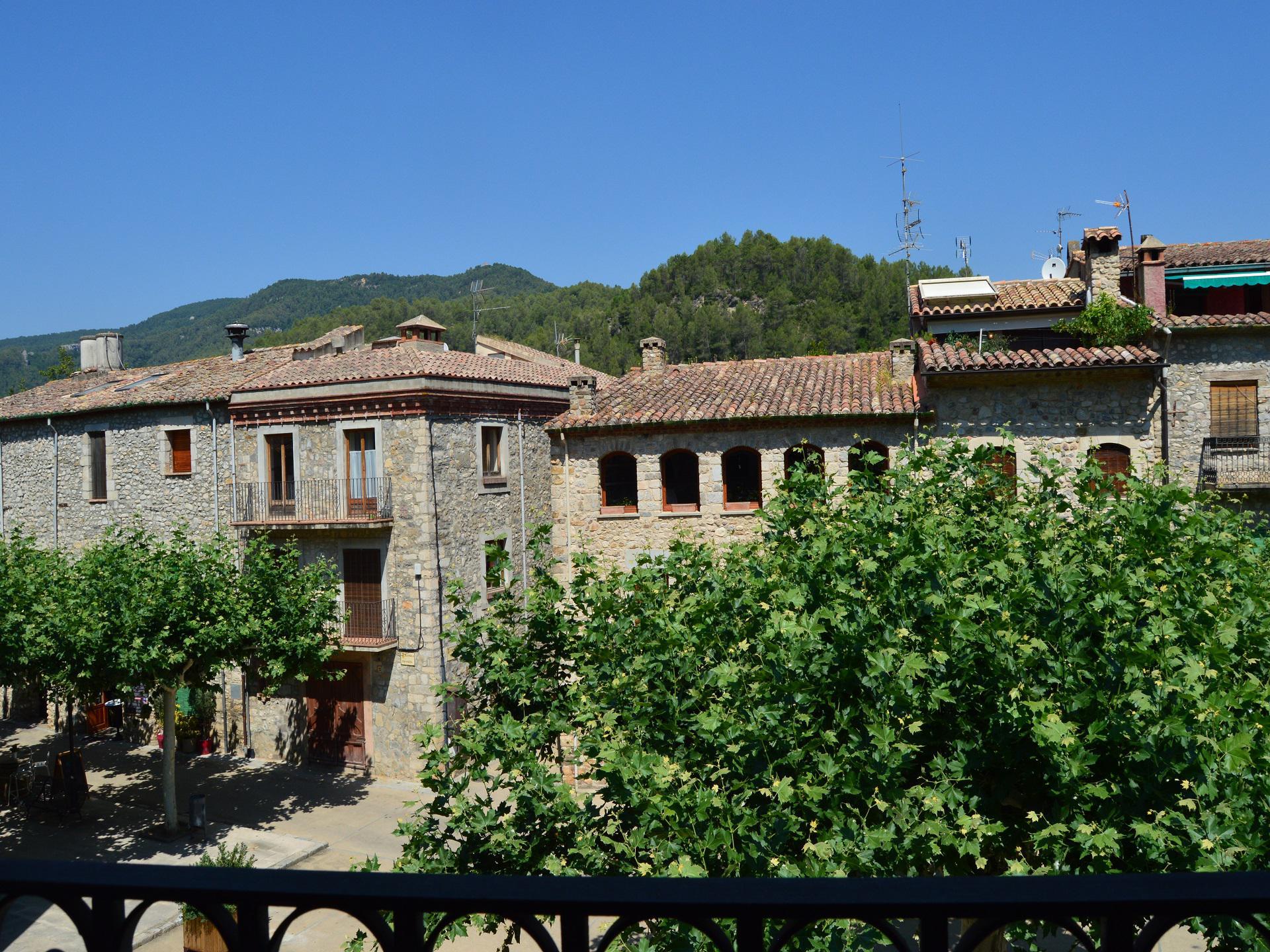 Casa de pueblo -                                       Sant Llorenç De La Muga -                                       8 dormitorios -                                       14 ocupantes