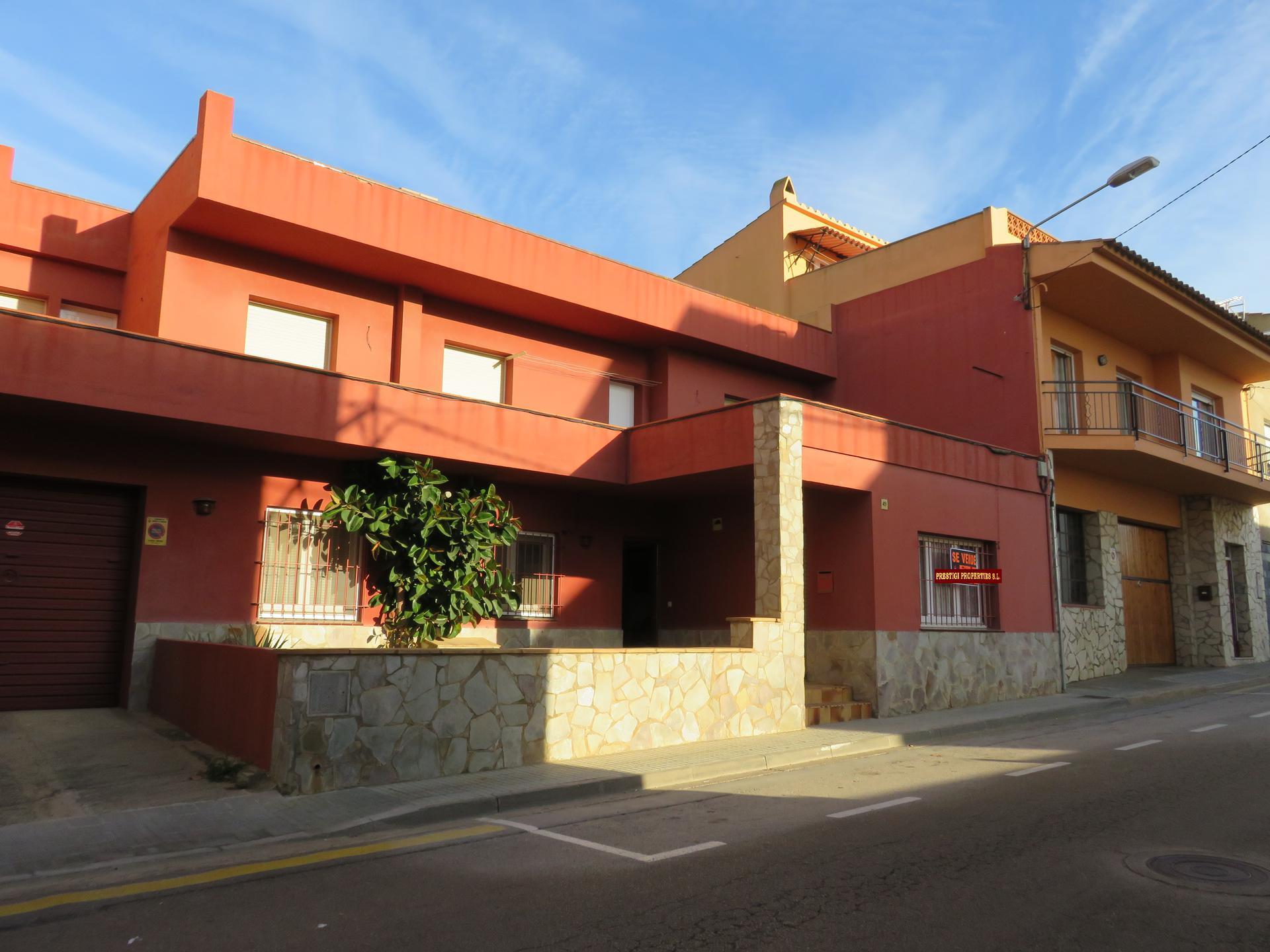 Casa -                               Torroella De Montgrí -                               6 dormitorios -                               0 ocupantes